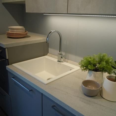 Cucina esposta Lube modello Immagina grigio Agata e ...