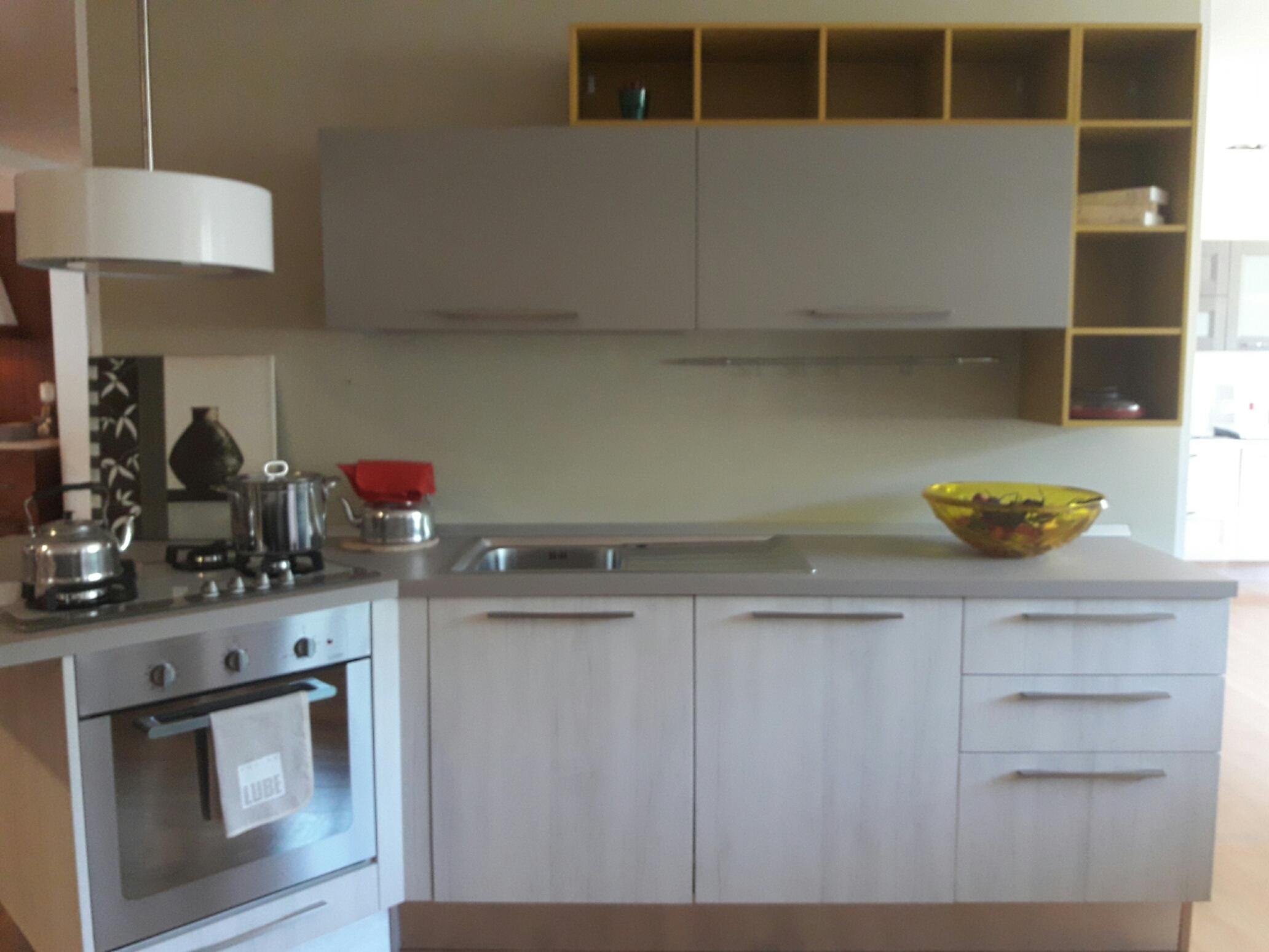 Cucine Lube Swing Prezzi : Cucina lube modello swing scontata del cucine a