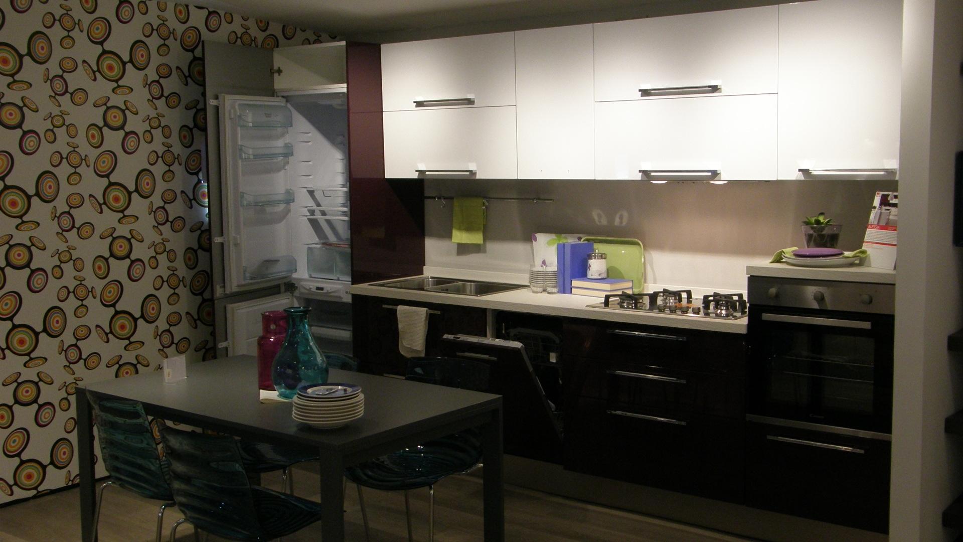 Cucina lube moderna lineare modello alessia scontata del - Cucina lube opinioni ...