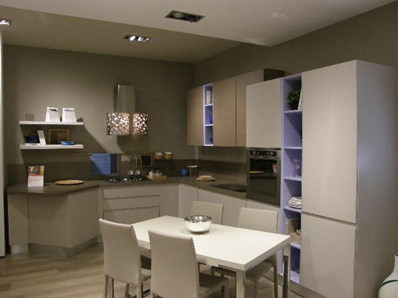 Cucina LUBE Moderna Lineare Modello Linda Scontata del 50%