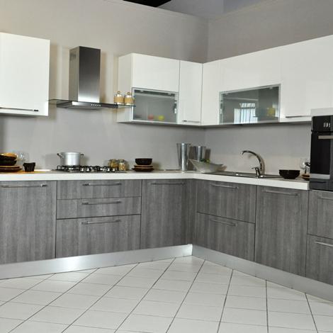 Cucina Lube Noemi angolare completa di elettrodomestici in saldo ...