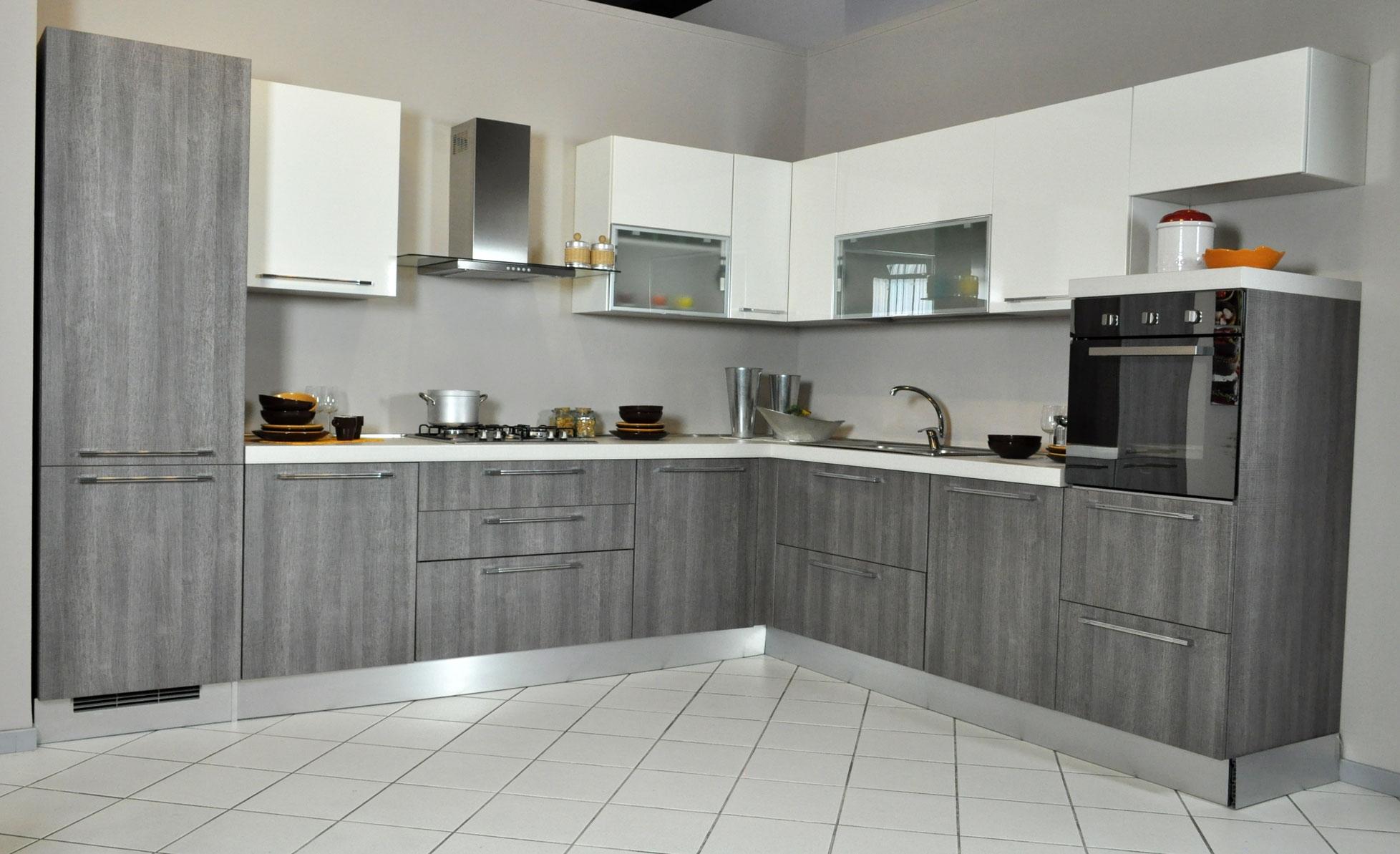 Cucina lube noemi angolare completa di elettrodomestici in saldo cucine a prezzi scontati - Cucina completa angolare ...