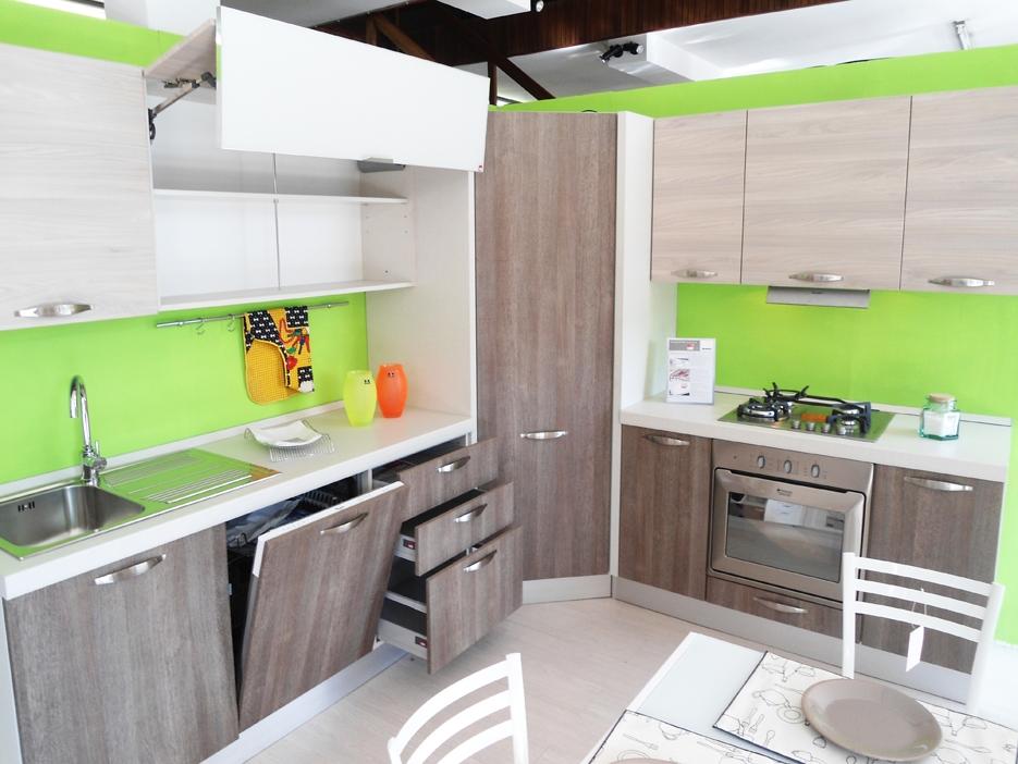Emejing Cucina Noemi Lube Prezzi Contemporary - Home Interior Ideas ...