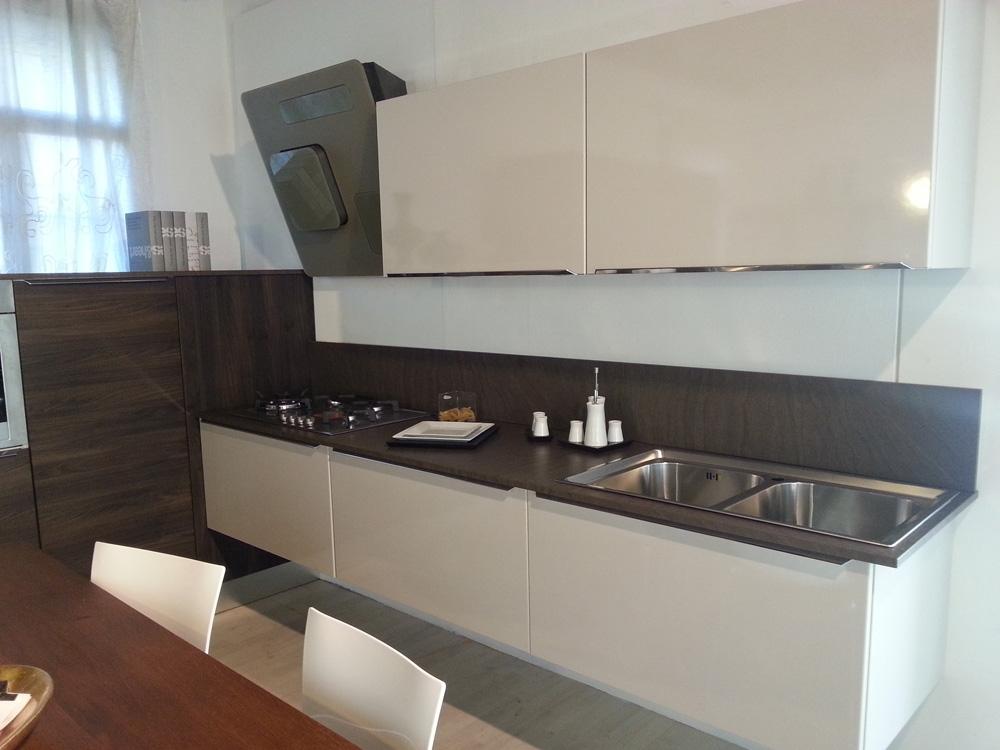 Cucina lineare moderna outlet cucine a prezzi scontati - Lube cucine outlet ...