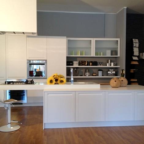 Cucina con isola madeira di copat in rovere poro aperto - Cucina rovere bianco ...