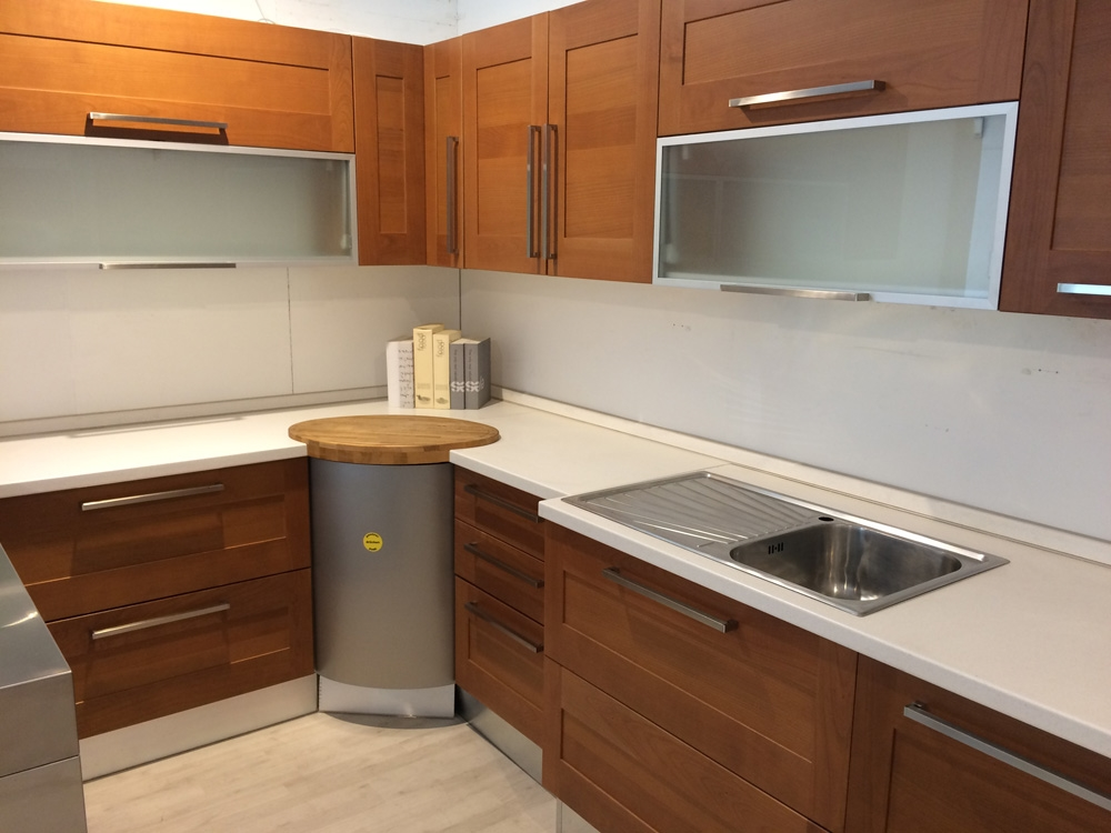 Cucina maior cucine clio moderna legno ciliegio cucine a prezzi scontati for Cucine moderne color ciliegio
