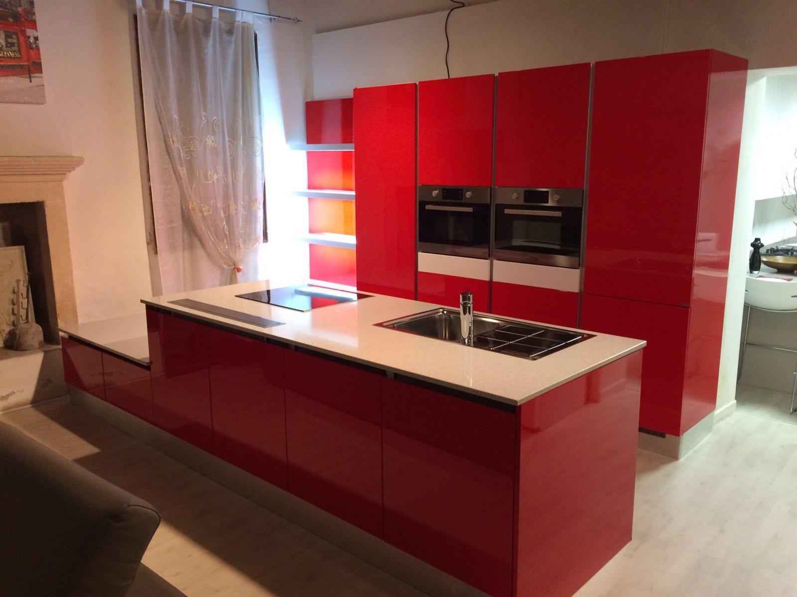 Cucina Maior Cucine Geo Moderno Laccato Lucido Rossa - Cucine a ...
