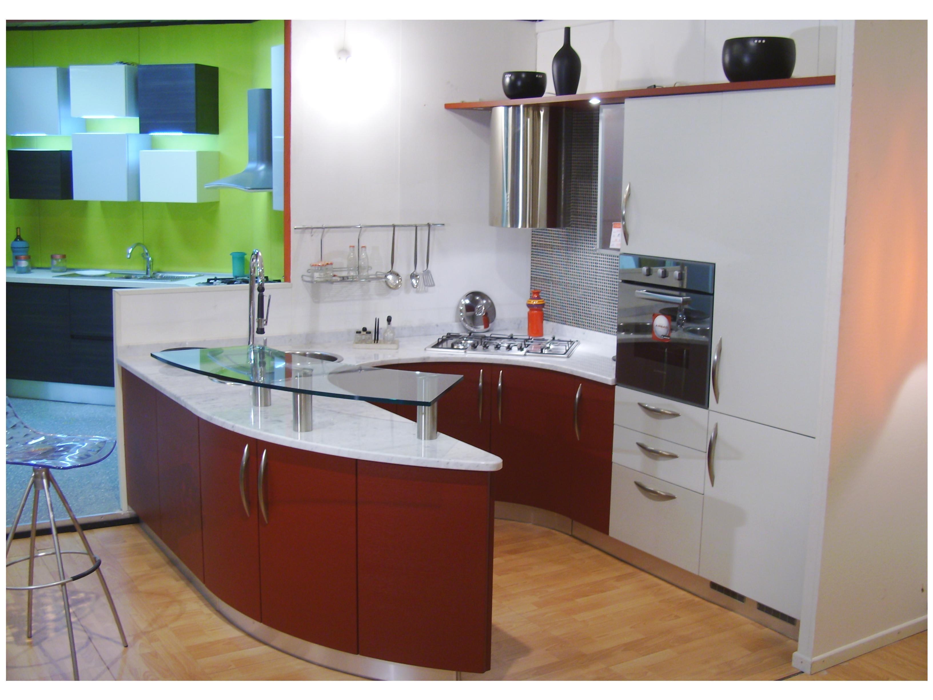 Cucine tonde excellent vito sgabello in metallo con for Isola cucina circolare
