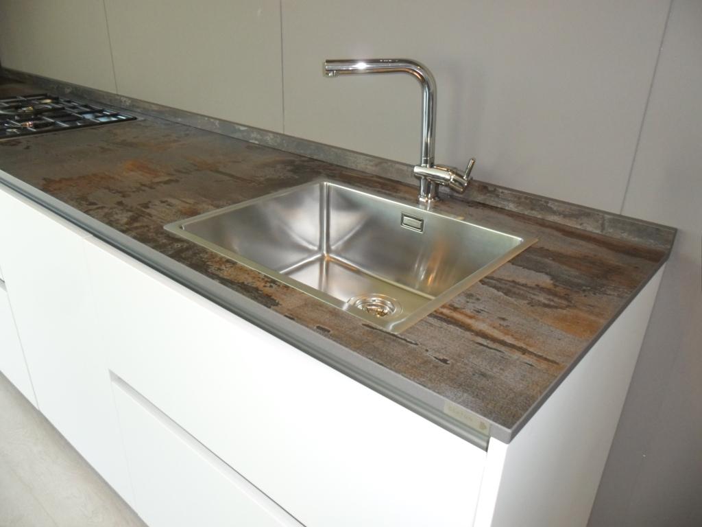 Cucina maistri arka6 laccata opaca con top in dekton - Piano cucina in dekton ...