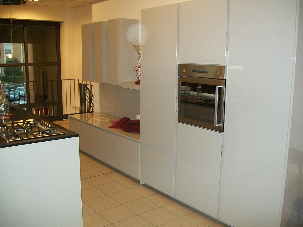 Cucina maistri cucine viva design laccato lucido cucine - Isola cucina usata ...