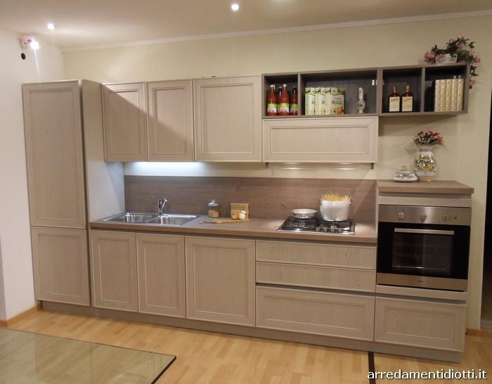 Cucina maxim di occasione cucine a prezzi scontati - Cucina classica contemporanea ...