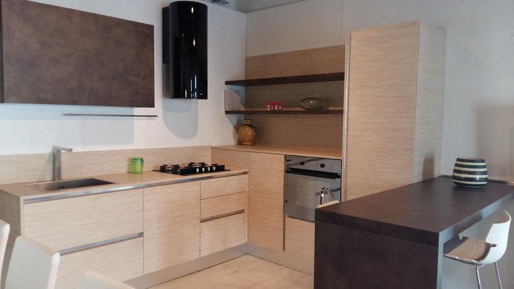 Cucina moderna ad angolo miton scontata del 49 cucine a prezzi scontati - Cucina ad isola prezzi ...