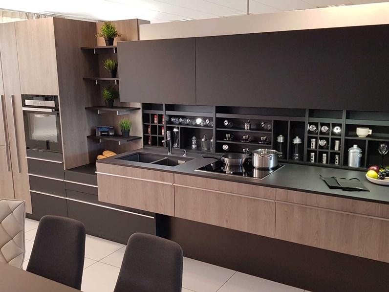 Cucina miton skin con piano in dekton prezzo outlet for Cucine outlet design