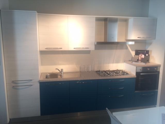 Mobilturi cucine cucina cucina mobilturi mod gaia offerta scontato del 40 cucine a prezzi - Mobilturi cucine ...