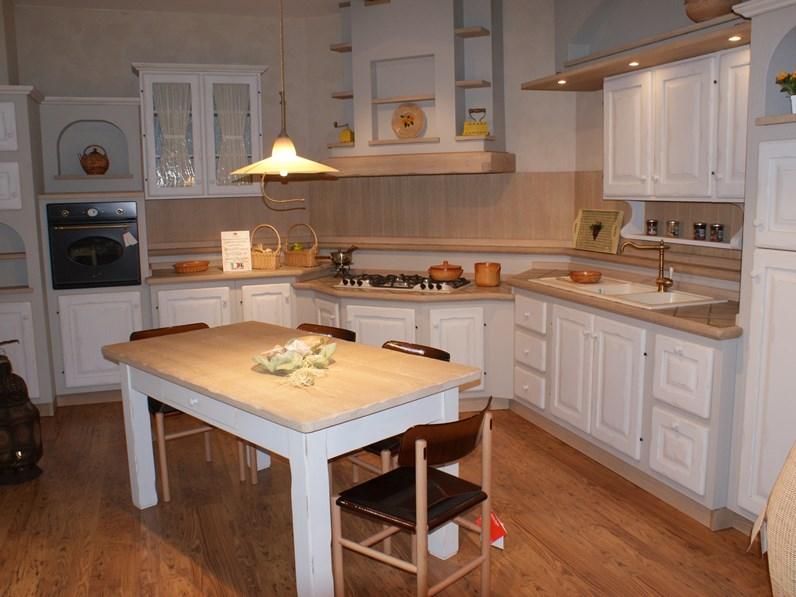 Cucina Modello Clementina Bianco Antico Artigianale Prezzo Scontato
