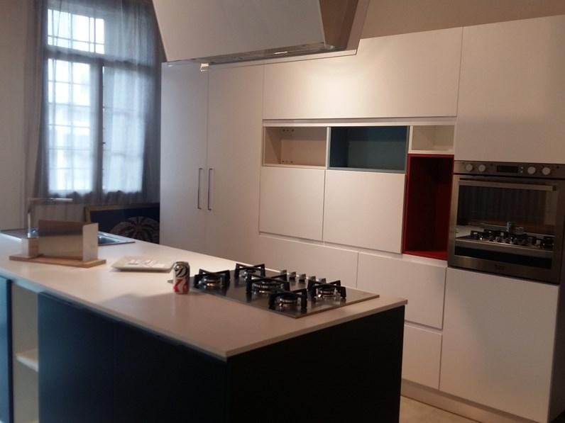 Cucina modello home cucine di home cucine prezzo scontato for Zanotto arredamenti
