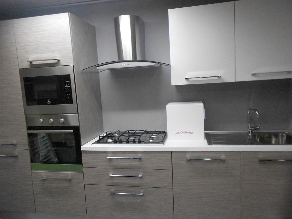 Cucina modello iride in offerta cucine a prezzi scontati - Cucina a gas in offerta ...