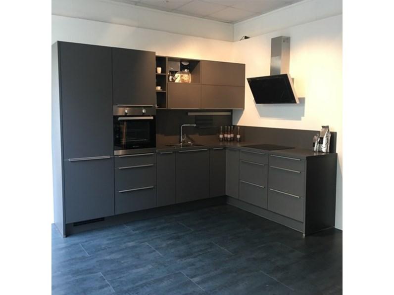 Cucina modello laser grigio design ad angolo in offerta - Disposizione cucina ad angolo ...