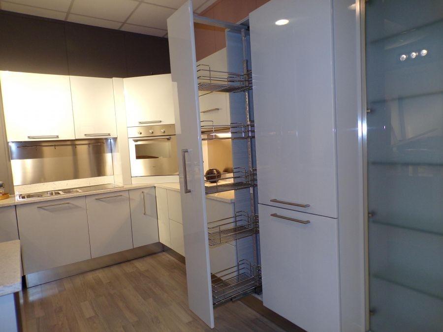 Cucina carma cucine milea moderne laccato lucido grigio - Cucine grigio perla ...