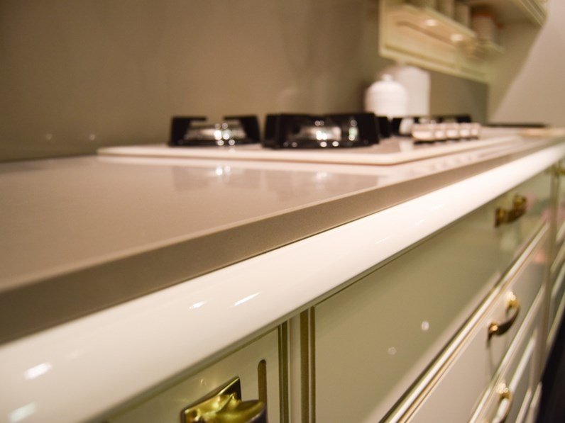 Piano In Quarzo Veneta Cucine.Cucina Modello Mirabeau Oro Veneta Cucine Prezzo Scontato