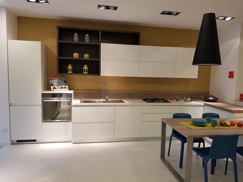 Cucina modello motus di scavolini a prezzo scontatissimo - Costo cucine scavolini ...