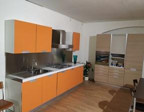 Cucina modello Quadria arancio e rovere Gm cucine PREZZO SCONTATO