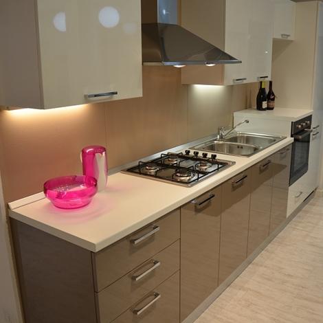 Cucina scavolini mod sax 36 cucine a prezzi scontati - Cappa cucina laterale ...