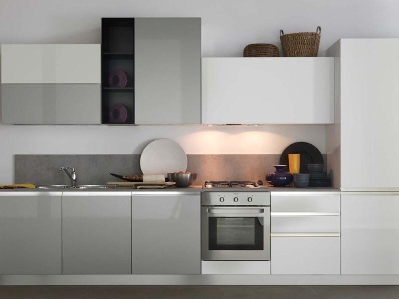 Cucina modello sky di ar tre prezzo scontato for Offerte cucine lineari