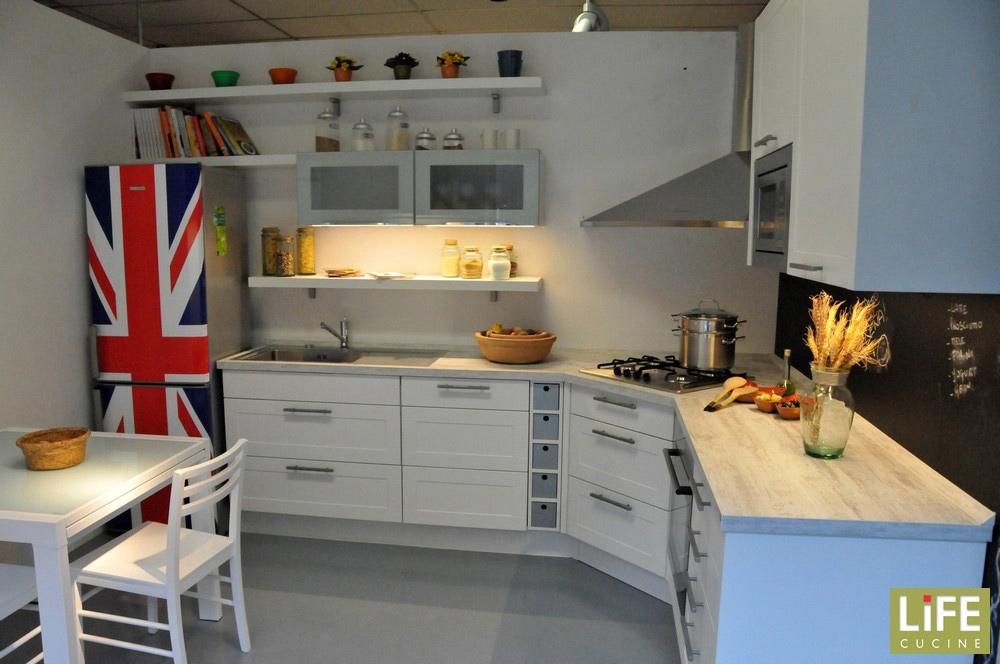 Cucina Moderna Anta A Telaio : Cucina moderna ad angolo life con anta a telaio scontata