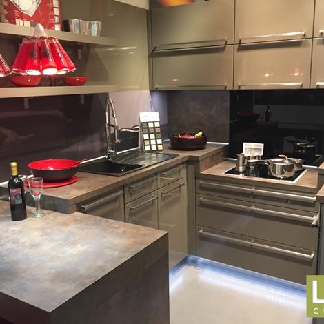 Cucina moderna ad angolo life laccato lucido magma occasione scontata del 57 cucine a prezzi - Cucina moderna ad angolo ...