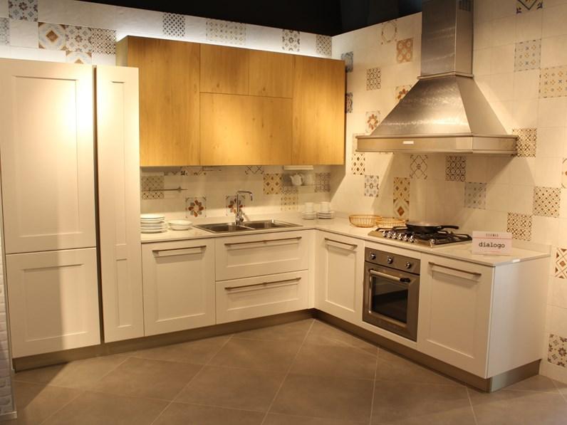 Veneta Cucine Dialogo Prezzo.Cucina Moderna Ad Angolo Veneta Cucine Dialogo A Prezzo Scontato