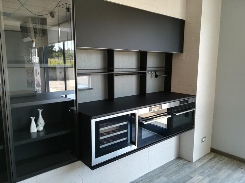 Cucina Moderna Con Isola Curva.Cucina Moderna Ad Isola Dibiesse Area 22 Xl 30 Gola Curva In Fenix Nero Opaco A Prezzo Scontato