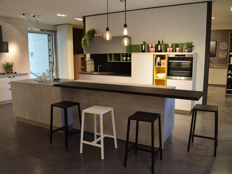 Cucina moderna ad isola Stosa cucine Infinity a prezzo ribassato