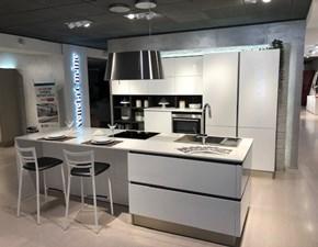 Cucina moderna ad isola Veneta cucine Oyster a prezzo ribassato