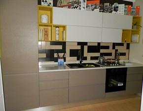 Cucina moderna altri colori Lube cucine lineare Linda impiallaciata in Offerta Outlet