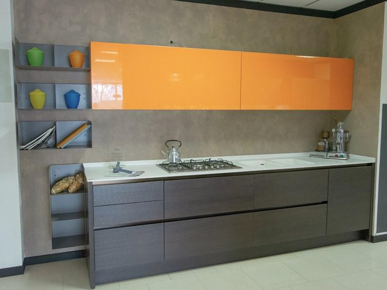 Cucina Moderna Arancione.Cucina Moderna Arancio Euromobil Lineare Filotabula In Offerta