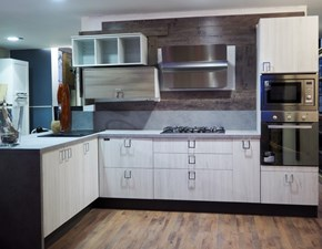 Cucina moderna bianca  con penisola dialma shabby chic scontata