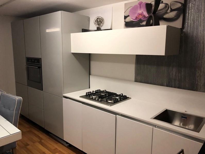 Cucina moderna bianca essebi cucine lineare cucina polimerico lucido scontata - Cucina bianca moderna lineare ...