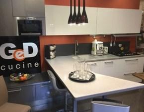 Cucina moderna bianca Ged cucine by gd arredamenti con penisola Alice in offerta