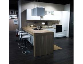Cucina moderna bianca Lube cucine con penisola Creativa in Offerta Outlet