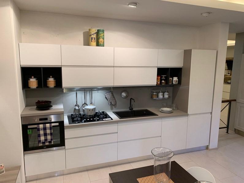 Cucina Moderna Lineare.Cucina Moderna Bianca Mobilturi Cucine Lineare Luna In Offerta