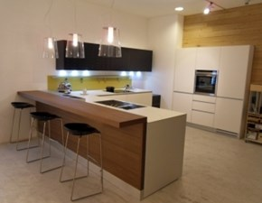 Cucina moderna bianca Valcucine con penisola Reciclantica in Offerta Outlet