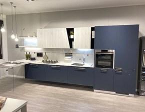 Cucina moderna blu Scavolini con penisola Mood in offerta