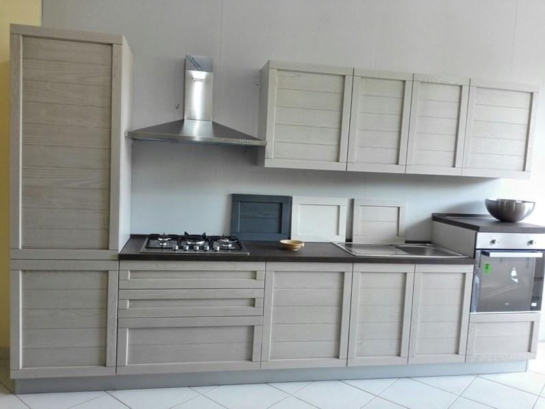 Cucina moderna con ante in legno completa di 4 - Cucina con elettrodomestici ...