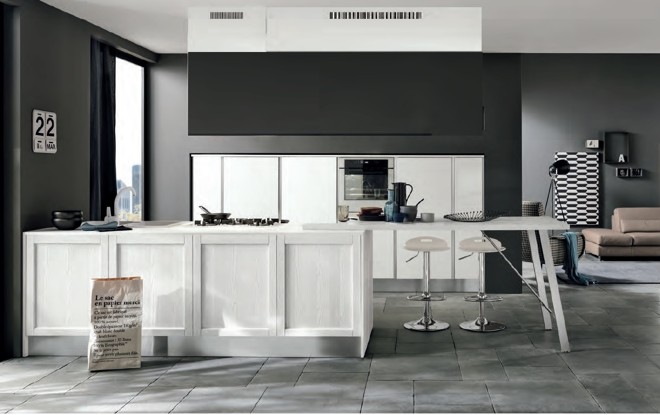 Cucina moderna con colonne frigo forno e isola in offerta for Isola cucina moderna