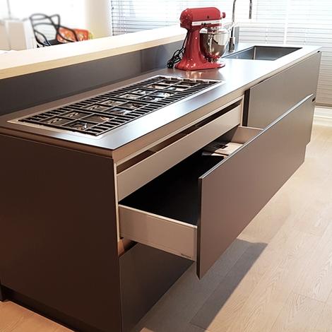 Cucina moderna con isola artex di varenna scontata del 30 cucine a prezzi scontati - Cucine varenna prezzi ...