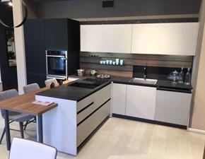 Cucina moderna con penisola Arredo3 Kali a prezzo scontato