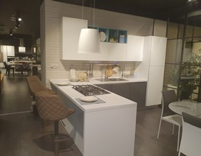 Cucina moderna con penisola Creo kitchens Kyra  a prezzo scontato