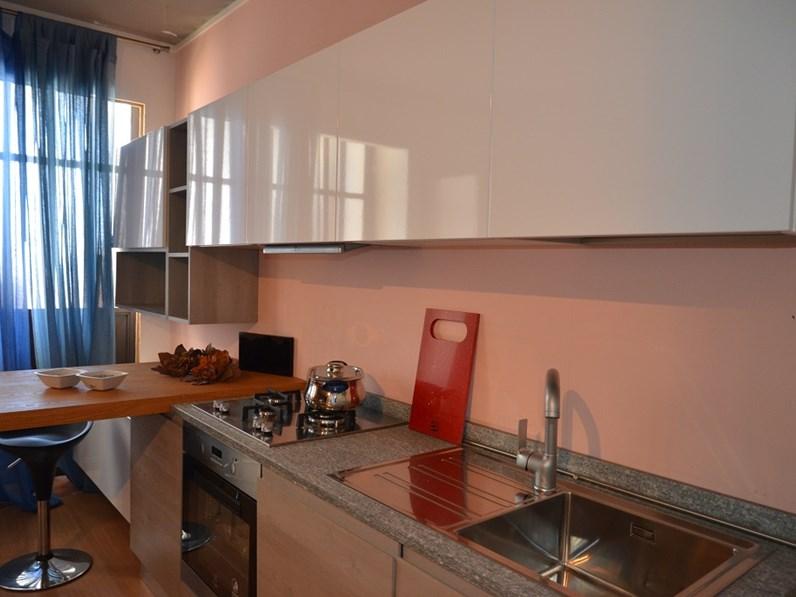 Cucina lineare con piano top in pietra di luserna cucine for Cucina moderna 3 60