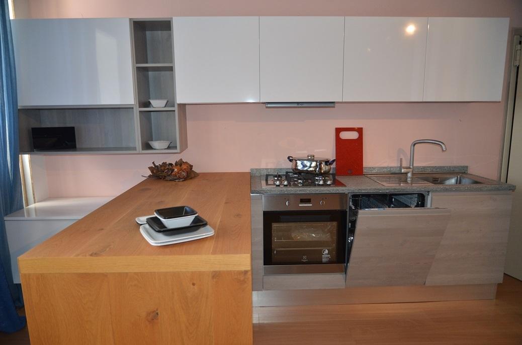 Cucina lineare con piano top in pietra di luserna   cucine a ...